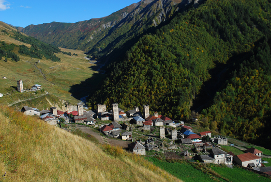 Adishi - una aldea en svaneti